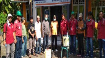 Penyemprotan Desinfektan sebagai Tindakan Preventif Penyebaran Covid 19 di sekitar Pabrik Sampoerna Kayoe cabang Luwu, Palopo, Sulawesi Selatan.